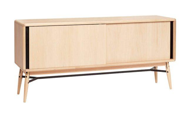 HÜBSCH egetræsskænk – dansk design med lækre moderne detaljer