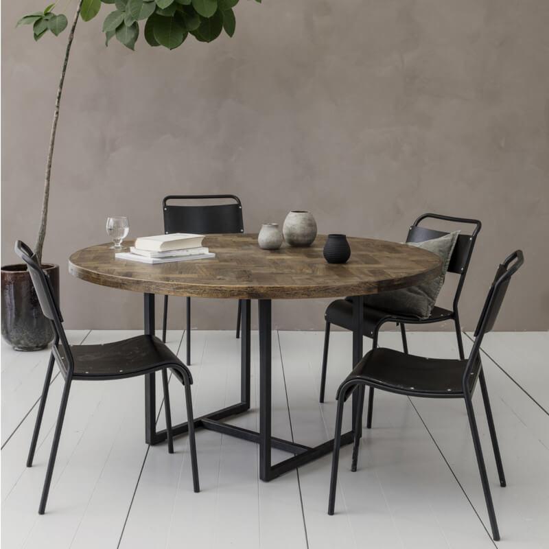 House Doctor Kant rundt spisebord unikke detaljer i bordpladen