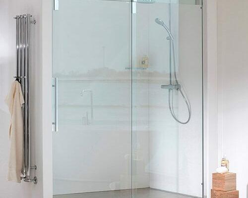 Strømberg Baden Slide skydedør – Moderne og funktionel skydeglasdør til badet