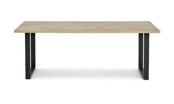 Hindsgavl spisebord L200 er den perfekte kombination af lyst egetræ og sorte metalben til det nordiske hjem