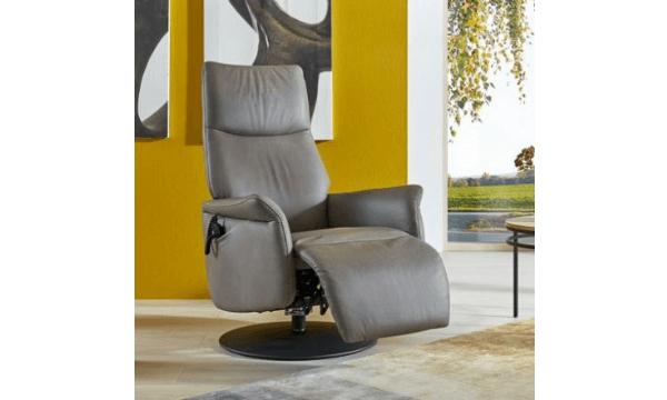 Himolla 9061 Hvilestol – flot og behagelig otiumstol med skammel og ekstra hjælp