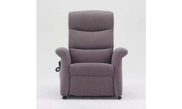 Himolla 8300 Cumulus – behagelig og simpel hvilestol med skammel, der ligner en almindelig lænestol