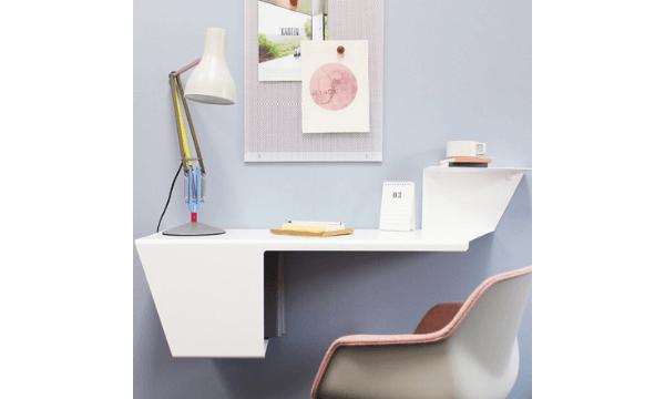 Anne Linde bord – hængende skrivebord med plads til opbevaring