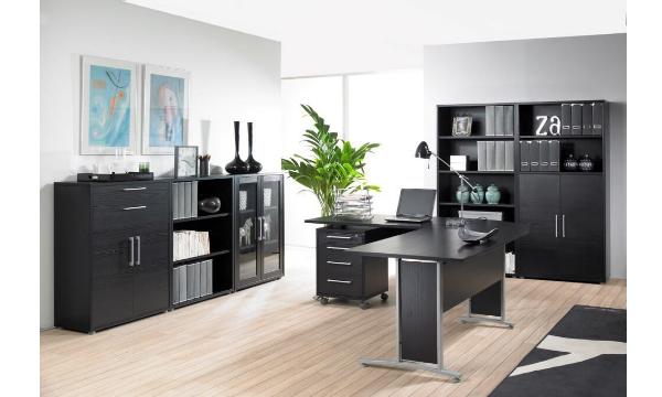 Rio hjørneskrivebord sort er funktionelt, praktisk og flot til hjemmekontoret